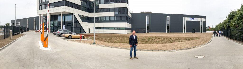Marko Vossi kutsuu suomalaisasiakkaat tutustumaan SLM Solutionsin uuteen huippumoderniin 3D-metallitulostintehtaaseen Lyypekkiin.