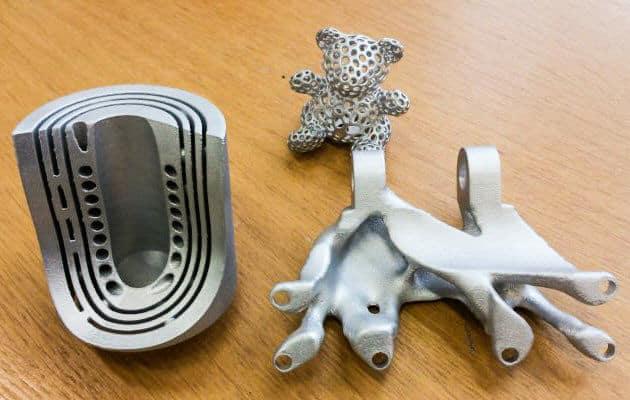 Vossin osastolla mukana olleen teollisen 3D-metallitulostajan 3DSTEP Oy:n alumiinitulosteita. Messut olivat heille suuri menestys ja uusia asiakaskontakteja he saivat noin satakunta kappaletta.
