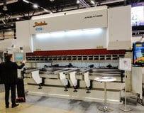 Turkin vanhimman levytyökonevalmistajan Baykalin APHS 41300 CNC-särmäyskone oli messujen järein särmäyskone. Helppokäyttöinen Cybelec Modeva 15 -ohjaus ja työkalujen pikavaihtopitimet mahdollista nopean sekä joustavan työskentelyn.