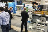 Esillä oli iso määrä erilaisia SLM Solutionsin koneilla 3D-metallitulostettuja kappaleita, joihin messukävijät pääsivät tutustumaan.