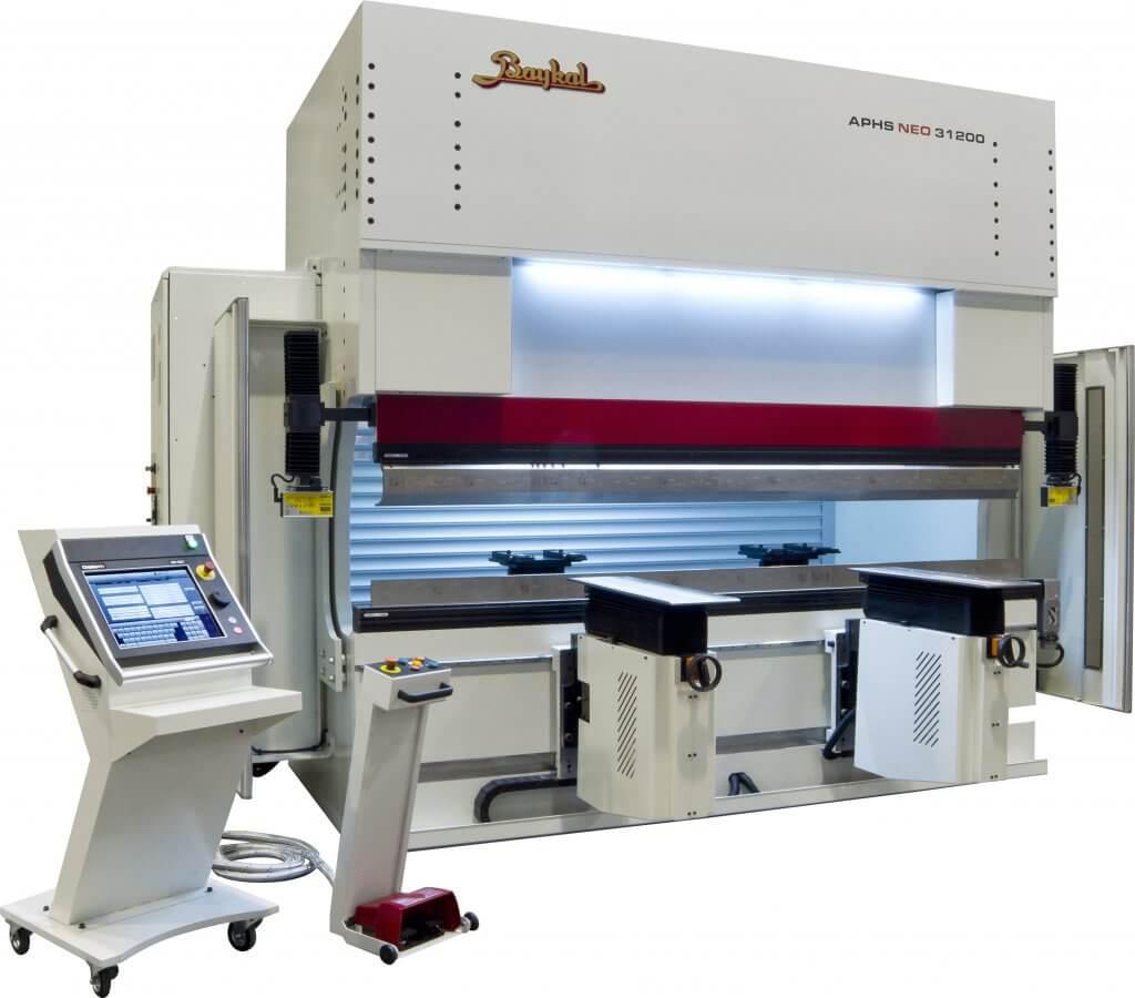 Turkin vanhimman levytyökonevalmistajan Baykalin suositut särmäyskoneet ja levyleikkurit esillä osastolla 14/H06, jossa nähtävissä uusimmat ohjaukset sekä lisälaitteet asetusaikojen minimoimiseksi sekä työn tehostamiseksi.