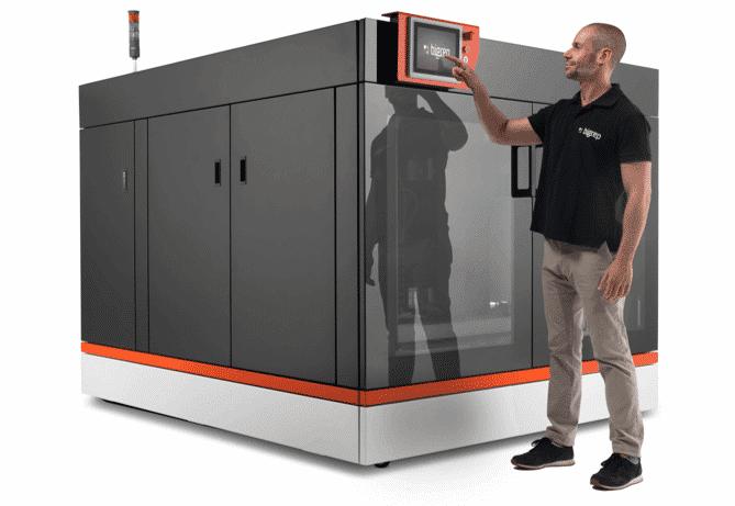 Saksalaisen BigRepin järeillä 3D-muovitulostimilla (1x1x1 m³) pystyy tulostamaan nopeasti niin varaosat, prototyypit, valumallit kuin sisustuselementit.