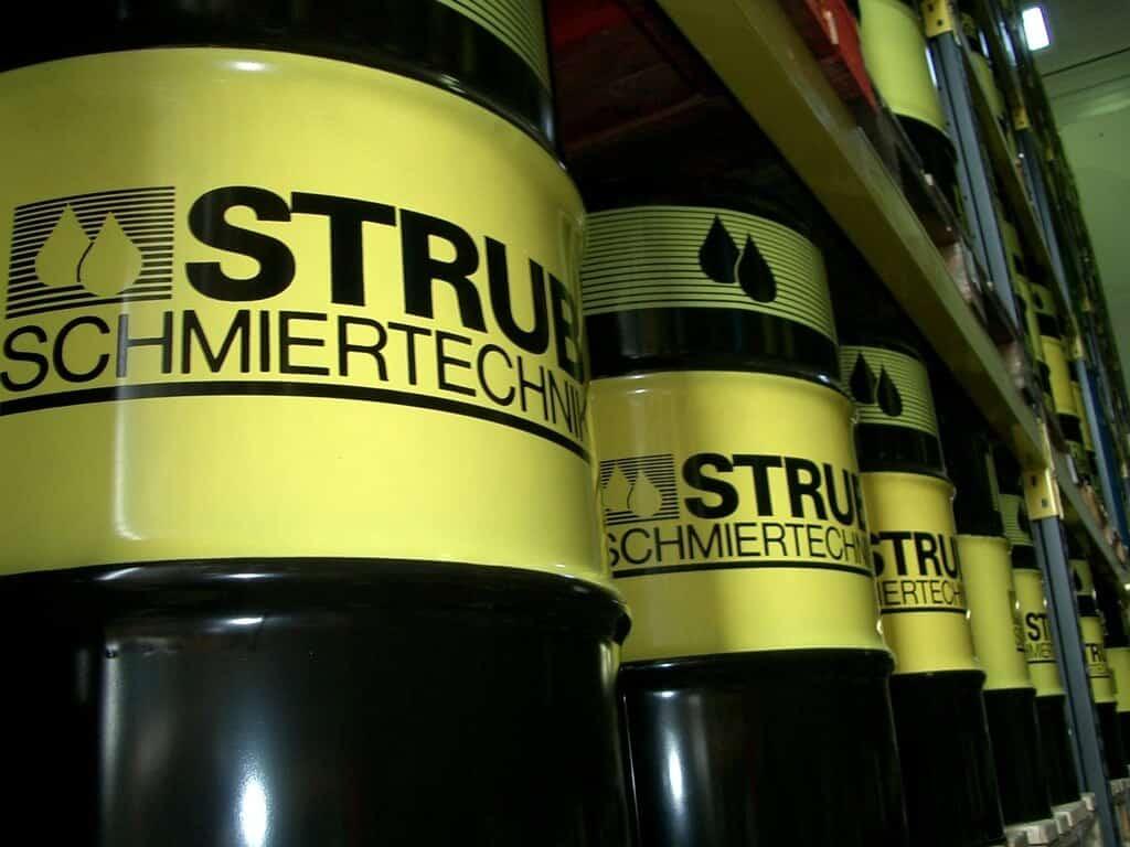 Strub - Leikkuunesteet ja voiteluaineet