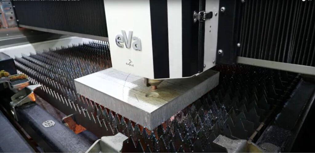 50 mm alumiinin leikkausta Eagle iNspire 20kW 6G tasokuitulaserilla 0,2 m/min nopeudella.