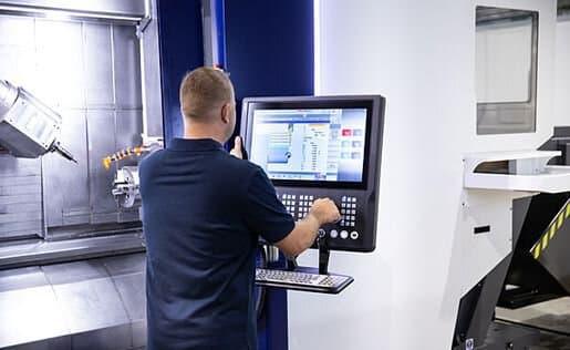 EMCONNECT – digitaalinen prosessiopastaja kääntyvällä ja korkeussäätyvällä ohjauksella.