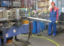 Fennosteel on todellinen suurvolyymiputkentaivuttaja. Imrco metallinmuovausaineet tuurnan ja luistin voitelussa säästävät työkaluja ja mahdollistavat siistin, öljyttömän työympäristön sekä hitsaamisen heti taivutuksen jälkeen.