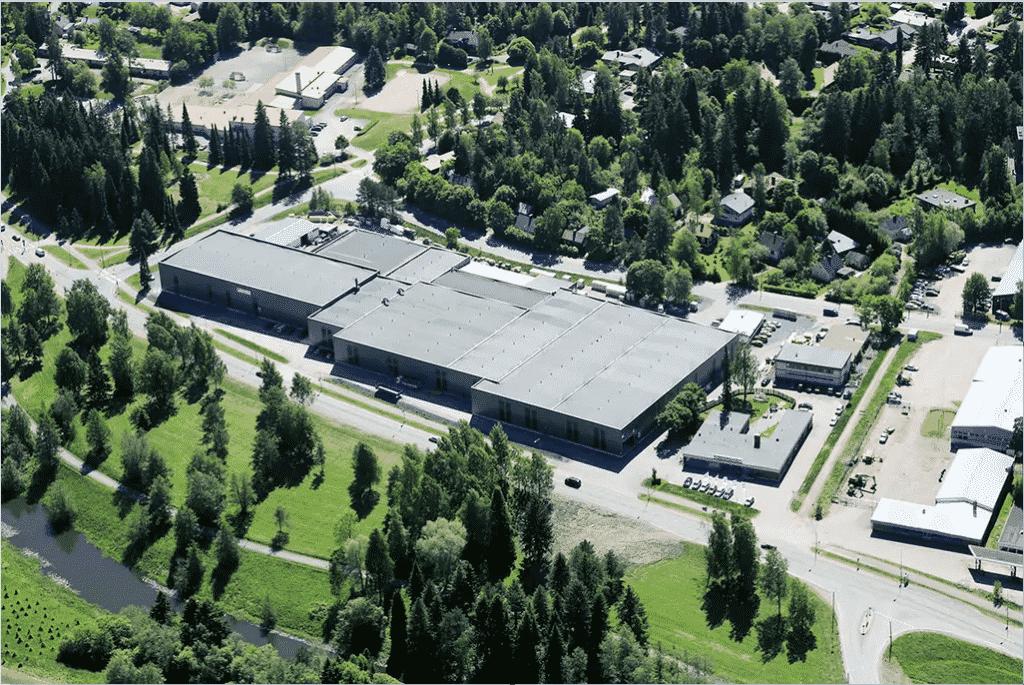 Uusittujen toimitilojen koko on massiiviset 20000 m2, joista Forssan Metallityöt Oy:n tuotantokäytössä on 16000 m2.