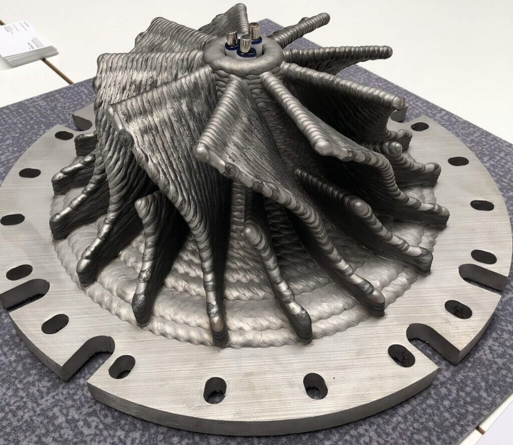 The German Geferetec 3D metal printers are based on 5- or 3-axis wire welding and are capable of realizing complex pieces as well as multi-material printing.