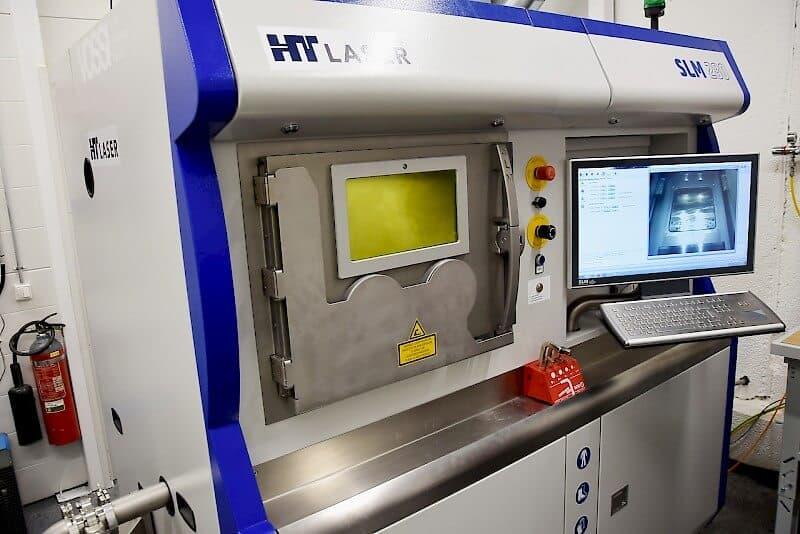 SLM 280 2.0 TWIN palvelee niin HT Laserin omaa tuotantoa kuin jatkossa myös asiakasprojekteissakin. Kammiokoko koneessa on 280x280x365 mm.