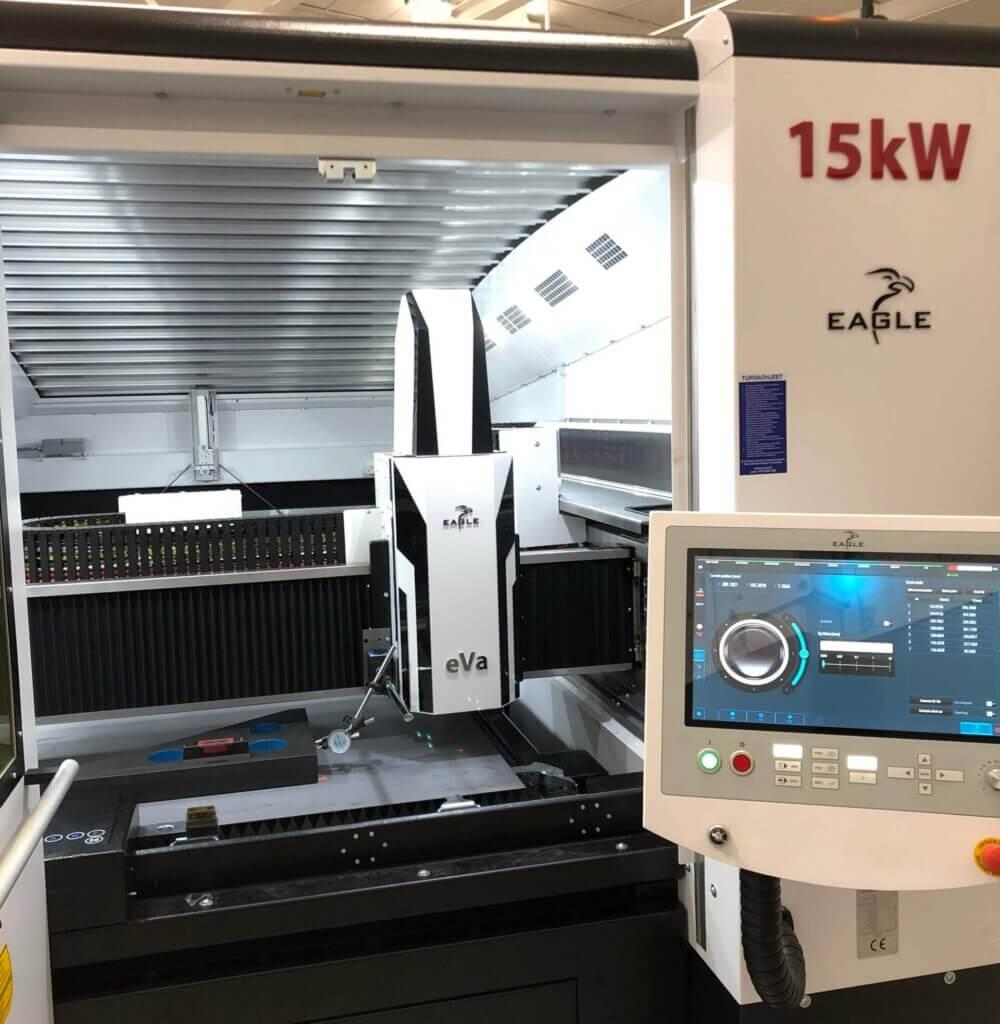 Koneen asennus ja käyttökoulutus suoritettiin Vossin omien huoltoteknikoiden toimesta.