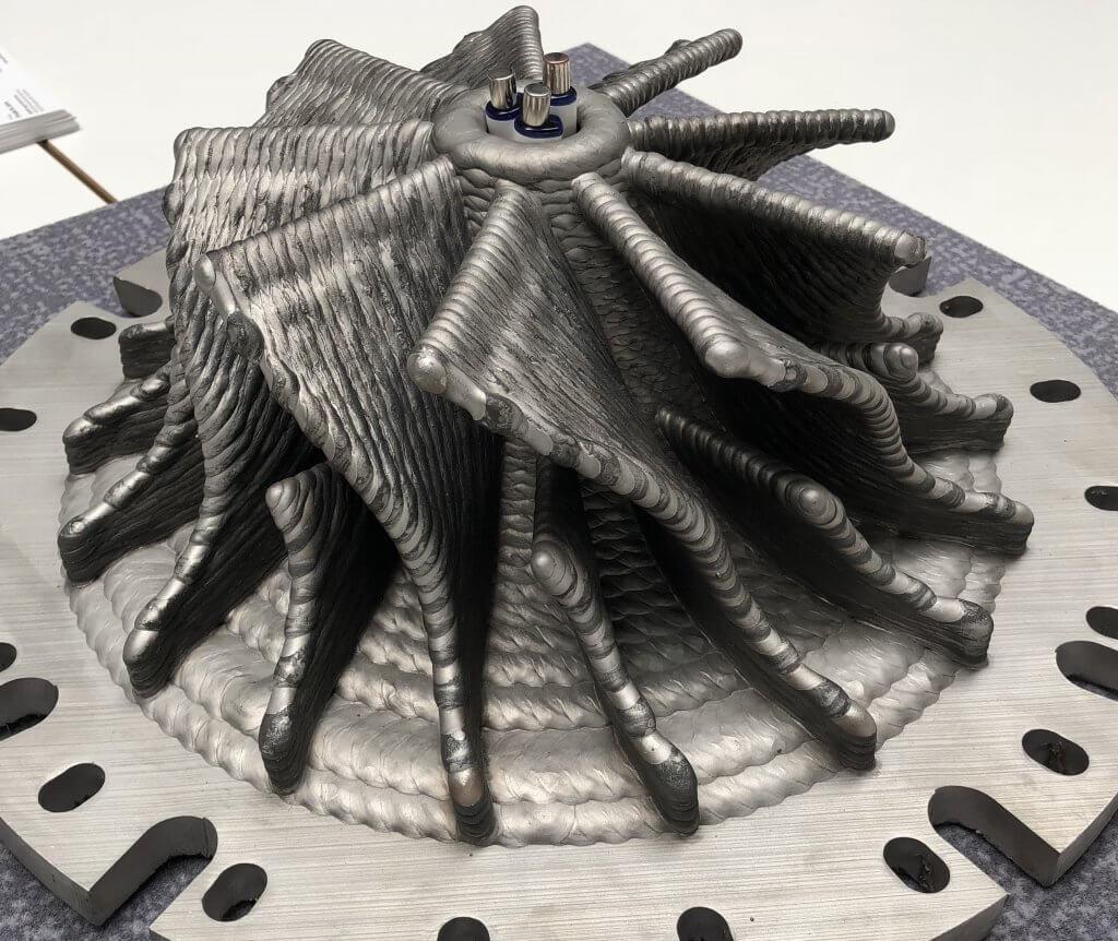 Gefertecin 3D-metallitulostimet soveltuvat edullisen ja nopean lankahitsauskasvatuksen (maks. n. 600 cm³/h) ansiosta erityisesti kookkaampien kappaleiden valmistukseen maksimi 3 m³ ja 3000 kg.