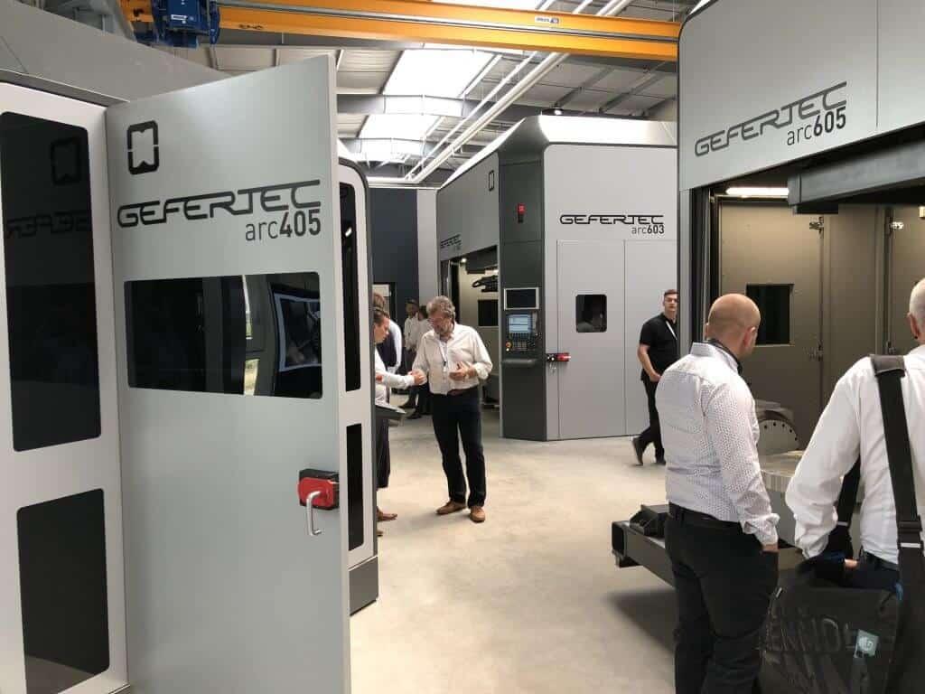 Saksalaisen Geferetecin 3D-metallitulostimet perustuvat 5- tai 3-akseliseen lankahitsaukseen ja niillä pystytään toteuttamaan monimutkaisia kappaleita sekä monimateriaalitulostuksia.