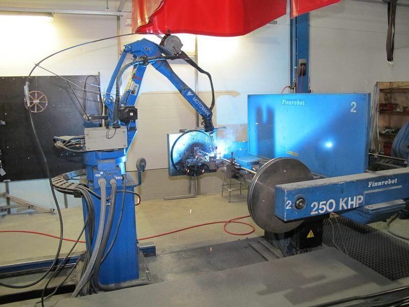 Robotisoidun MIG-hitsauksen roiskeettomuus varmistetaan Irmco hitsausroiskesuojalla.