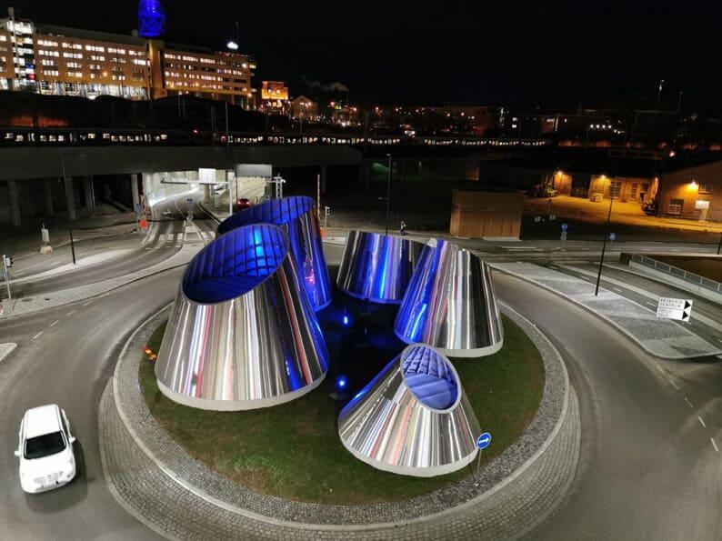 Helsingin Triplan edustan isot teräskartiot ovat yrityksen viime vuoden projekteja.