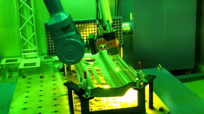 HK Laser & Systems 3D-kuitulaserleikkausrobotti tarjoaa suuren työkappaleen muoto- ja materiaalivapauden.