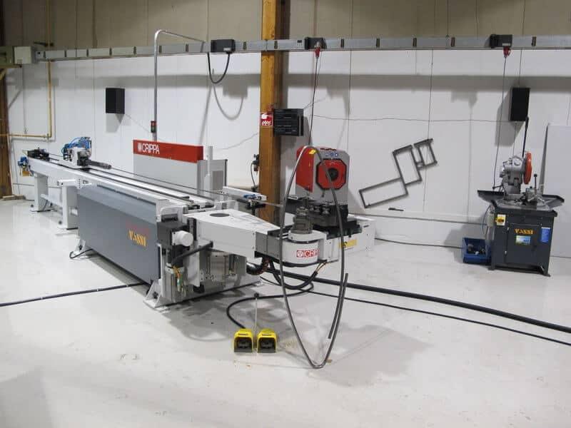 Uuteen putkenkäsittelysoluun kuuluvat täysservotoiminen 9-akselinen Crippa CA942 LE CNC-putkentaivutuskone sekä tehokkaan jälkityöstön varmistavat Häberle avaruuskulmiin kääntyvä pyörösaha sekä Bomar purseenpoistokone.