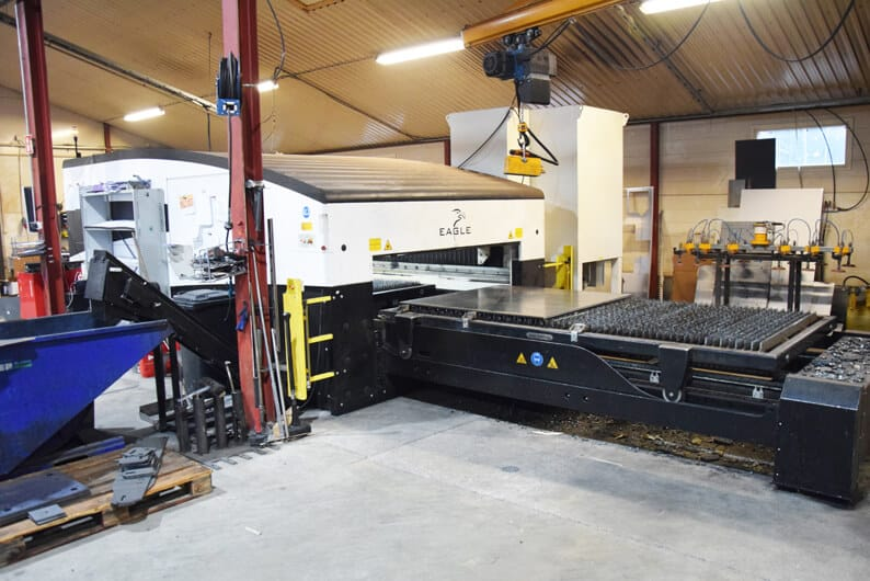 Järvelän levylasertyöt tehdään 6 kW:n ja 6 G:n Eaglella. Metalli Järvelä Laser on toiminut vuodesta 2014 lähtien.