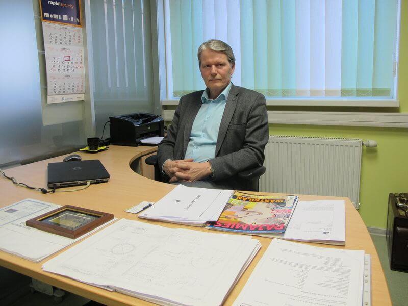 -Johtoryhmän strategiapalavereissa asetamme selvät kriteerit mitä tehdään ja kenelle. Meillä on laaja valmistuskonsepti ja tämän takia haluamme tarkasti määrittää miten toimimme, kertoo hallituksen puheenjohtaja Pertti Vepsäläinen Metalliset Group.