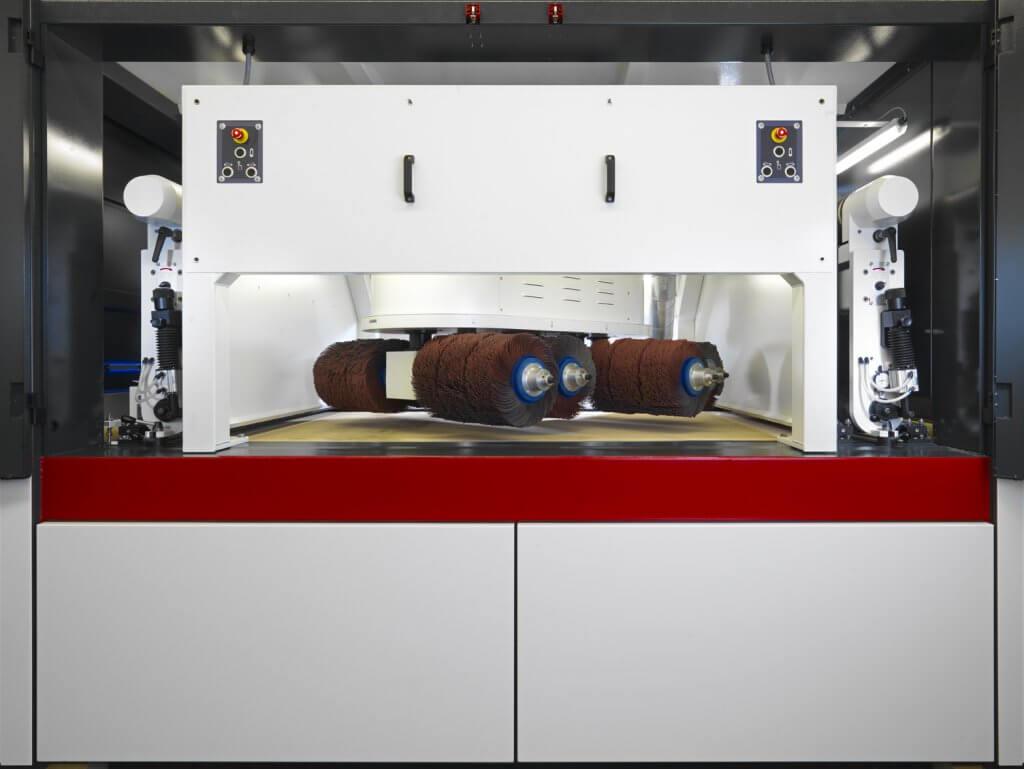 Hollantilainen Timesavers esittelee markkinoiden ainoana levynreunanpyöristyskonetta R2-reunanpyöristyksellä, mikä on yhä useampien suomalaisten konevalmistajien vaatimus komponenteilta maalauksen pysymiseksi. Viimeisin konetoimitus Suomeen tehtiin Toivalan Metallille.