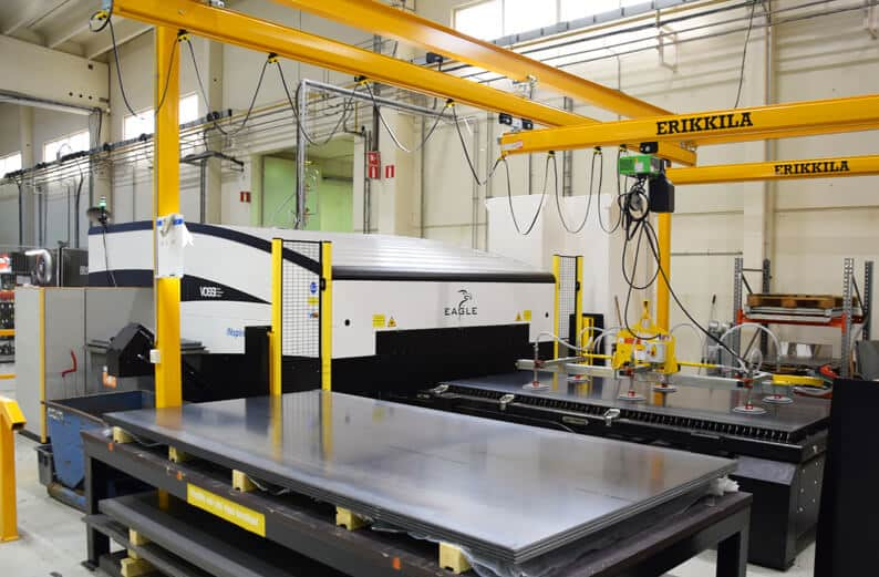 Eagle iNspire 6kW 6G -kuitulaser on parin vuoden ajan vahvistanut leikepuolen toimintoja Sievin tehtaalla.