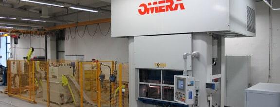 Omera 200R1M2S8/HS mekaaninen puristinlinja tehtiin erikoisratkaisuna Ouneva Groupin tarpeita silmällä pitäen.