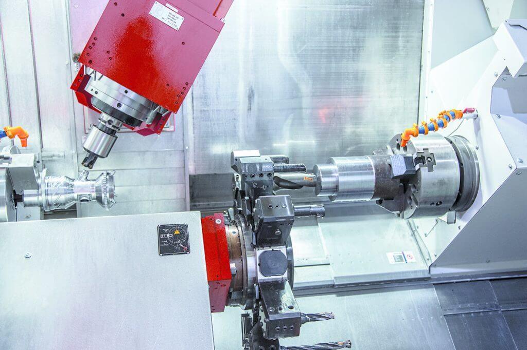 EMCO valmistaa B-akselisorvausjyrsinkeskuksia useaa eri kokoluokkaa maks. tankohalkaisijoille 65-110 mm, pyörähdyshalkaisijoille 500-1050 mm sekä sorvauspituuksille 1050-6100 mm. Valmistaja tarjoaa myös valmiita tuotantosoluja, joissa on automaatioratkaisuja yhdistettynä koneisiin.