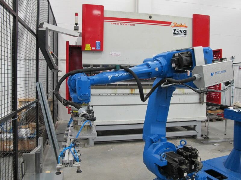 Baykal kolmen ja neljän metrin robottisolut voidaan integroida toimimaan tarvittaessa parina.