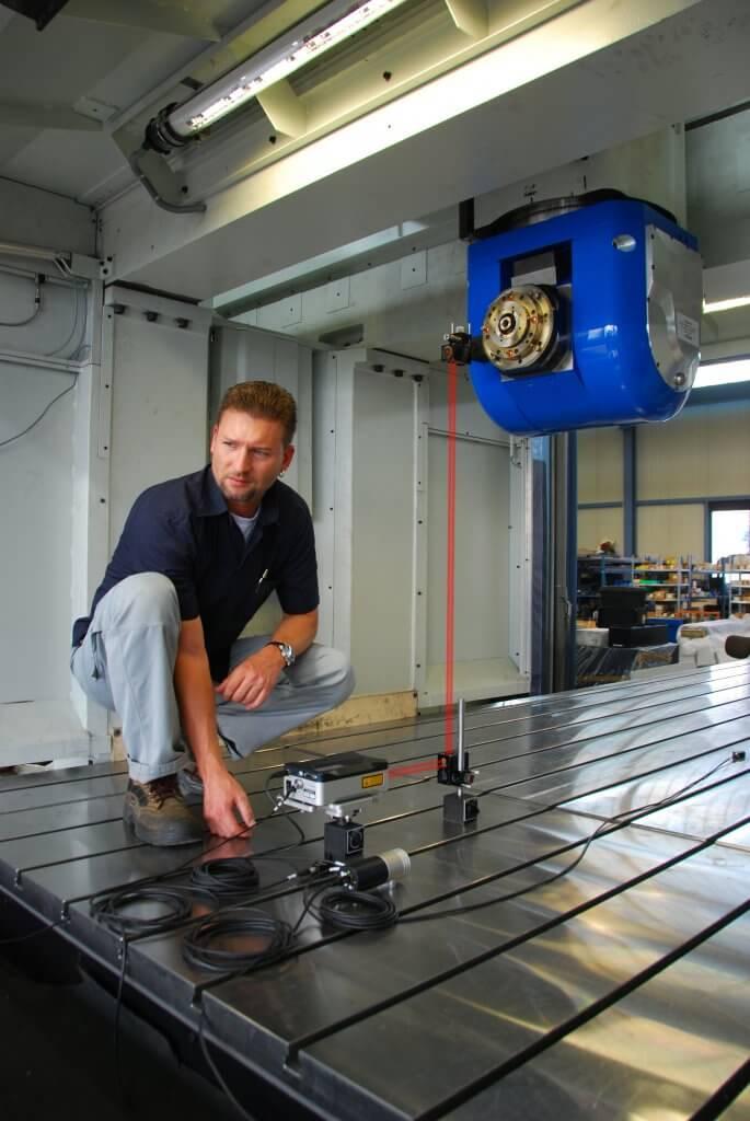 Vossi Service tarjoaa myös mittauspalveluita ja siltä löytyy kattava valikoima erilaisia mittauslaitteita mm. Renishaw XL-80 laserlineaarimittauslaite, Renishaw Ballbar QC20-W -mittauslaite sekä uusimpana BeamWatch-laitteisto laserkuidun tarkistukseen.