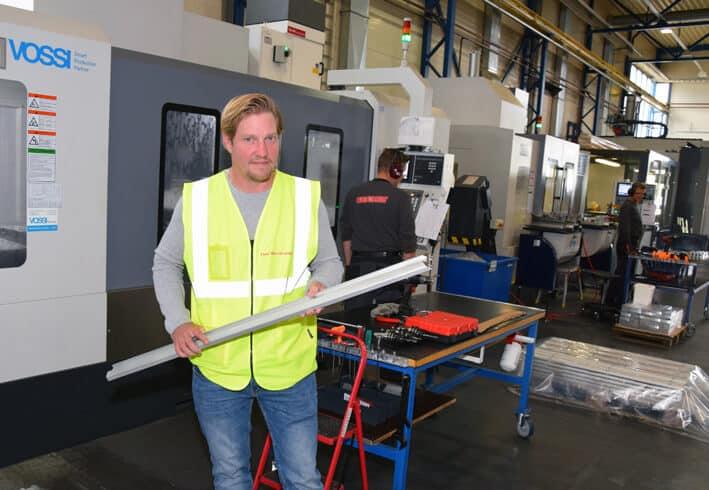 Tikli panostaa alumiinin jatkojalostukseen. Konekanta mahdollistaa monipuoliset työt, sanoo Timo Mastokangas.
