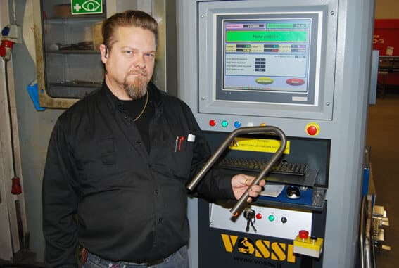 Toivalan Metallilla kiitellään Macri 6-65 U-D CNC-putkentaivutuskoneen kapasiteettia ja monipuolisuutta. Helppokäyttöinen ja visuaalinen ohjaus käy sujuvasti suomeksi, toteaa työnjohtaja Markku Kettunen.