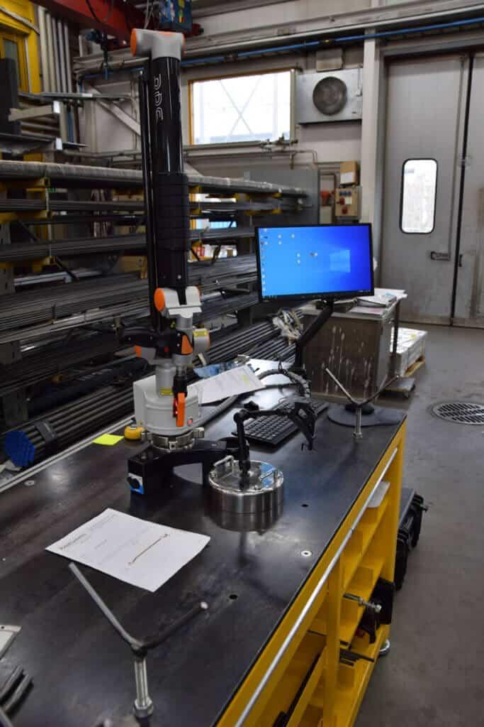 RPS EVO7 3D-mittavarsi varmentaa tehdyn työn tarkasti ja nopeasti. Mahdollisten poikkeamien havaitseminen on helppoa ja nopeaa selkeän raportoinnin ansiosta. Myös mallintaminen kappaleesta, mikäli kappalekuvaa ei ole tai se on päivittämättä. Keveytensä ja siirreltävyyden ansiosta RPS 3D-mittavartta voidaan käyttää useissa eri työpisteissä.