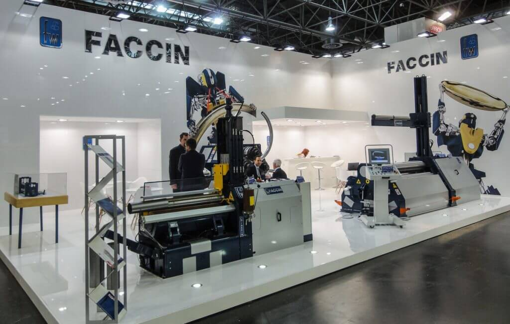 Putken-, levyn- ja säiliöpäädyntaivutuskoneisiin erikoistunut italialainen Faccin esitteli mm. edistyksellistä CNC-ohjaustaan, jolla monipuolisten ja laadukkaiden töiden tekeminen on helppoa.