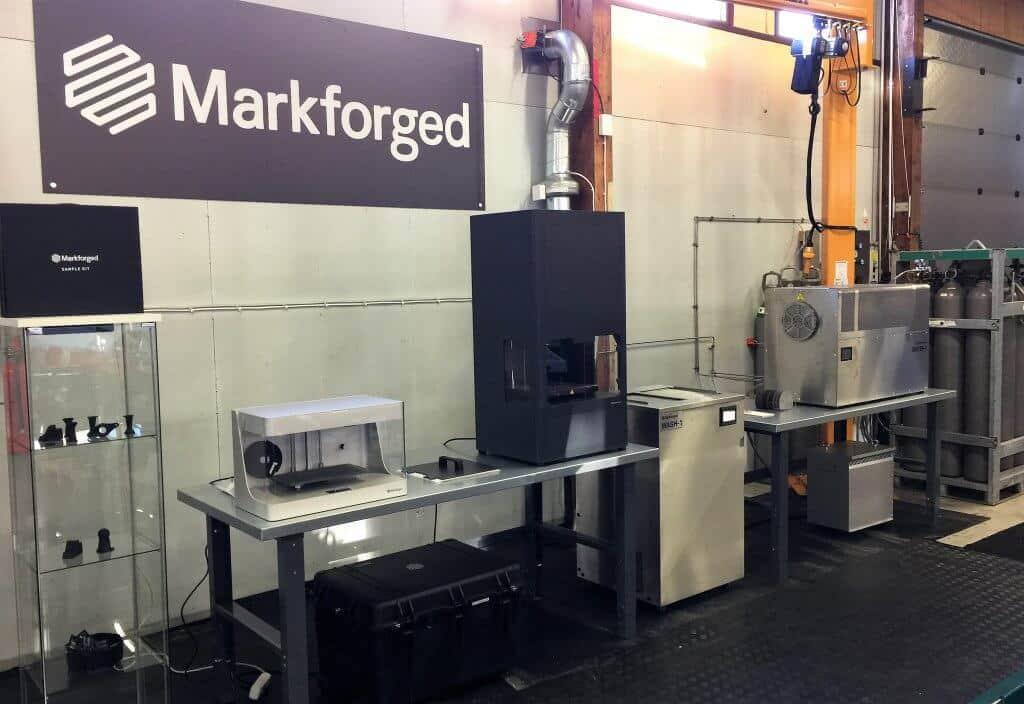 """Vossi otti helmikuun alussa Markforged Metal X 3D-metallitulostimen demokäyttöön Tampereen teknologianäyttelyynsä. """"Haluamme olla avoin uuden teknologian testiympäristö konepajoille, suunnittelutoimistoille, kouluille ja tutkimuslaitoksille. Tavoitteenamme on kiihdyttää älykkäiden teknologioiden hyödyntämistä teollisuudessamme"""", Marko Vossi kertoo."""