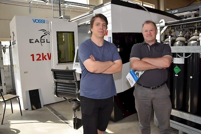 Kelpaa ajella. Eagle on iso lisä Ultracutin palvelukapasiteettiin, toteavat Pekka Särkiniemi (oikealla) ja Ville Hiltunen.