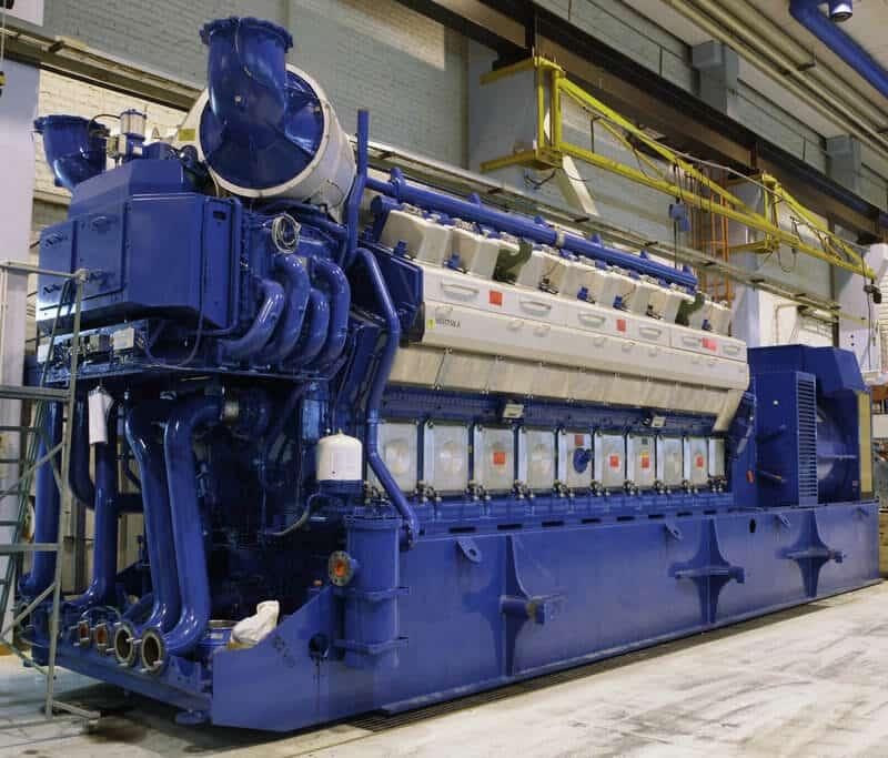 Kuvassa 34SG moottori, josta tehoa irtoaa 10 MW